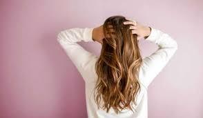 فيتامينات للشعر من طعامك اليومي | مكملات الشعر من الصيدلية
